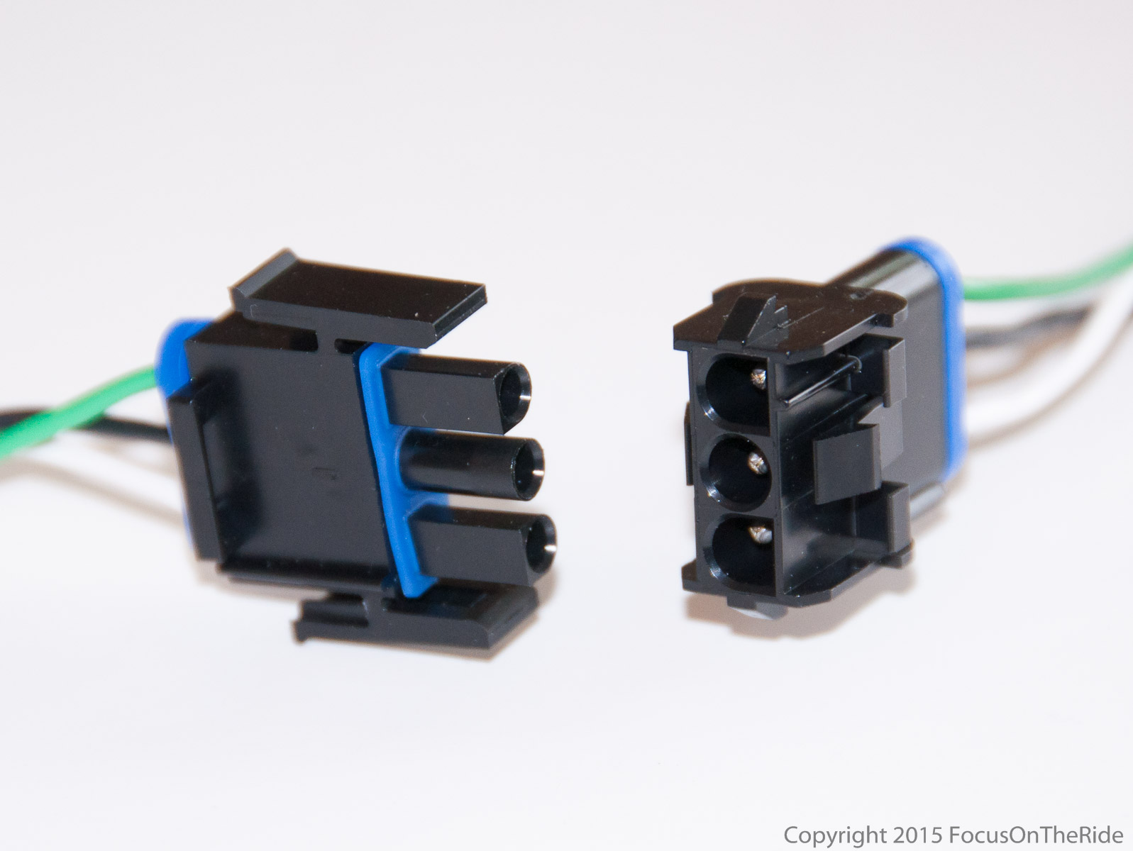 Light lead connectors